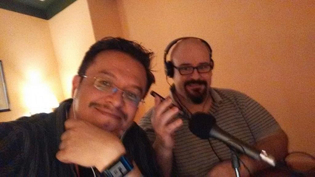 Con el amigo Joss Green, haciendo dos de las cosas mas divertidas del mundo y de las que mejor combinan: Grabar Podcasts y disfrutar de una buena cerveza.